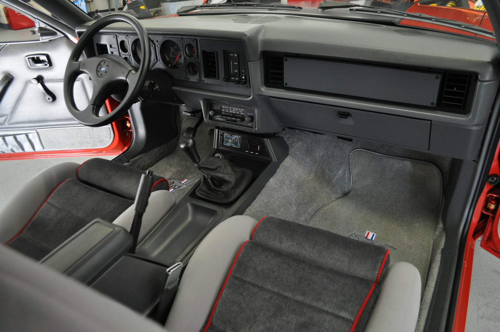 Ford Mustang Photo Gallery 1985 Mustang Gt Interior