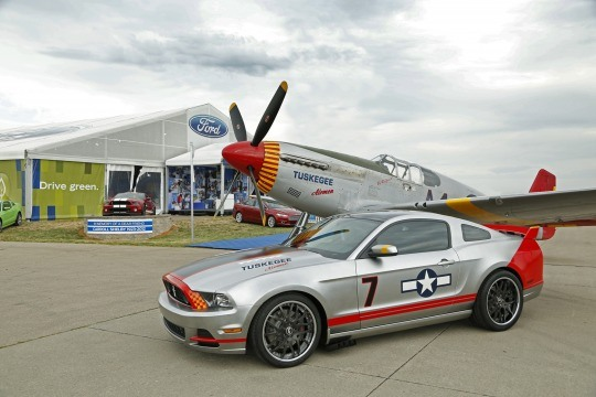Red Tails Edition Mustang