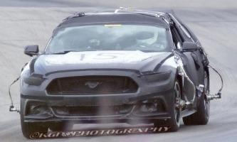 2015 Mustang spy shot